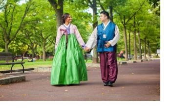 Engagement Session - Diversifying the Hanbok