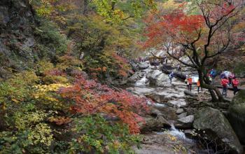 Seoraksan for Slow Hikers