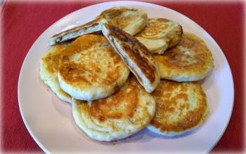 Traditional HoTteok (꿀호떡) – Korean Sweet Pancake