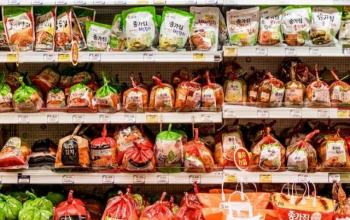 Podcast Report: Koreans Don't Want to Admit They're Eating Chinese Kimchi
