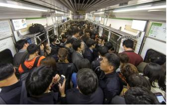 Trazy's 5 Step Guide to Understanding Korean Subway Culture